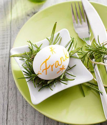 Le uova: segnaposto per la tavola di Pasqua