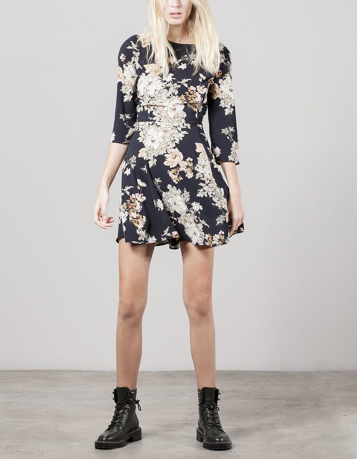 FLORAL PRINT DRESS WITH LOW-CUT BACK REF. 06288175 1.490,00 MKD