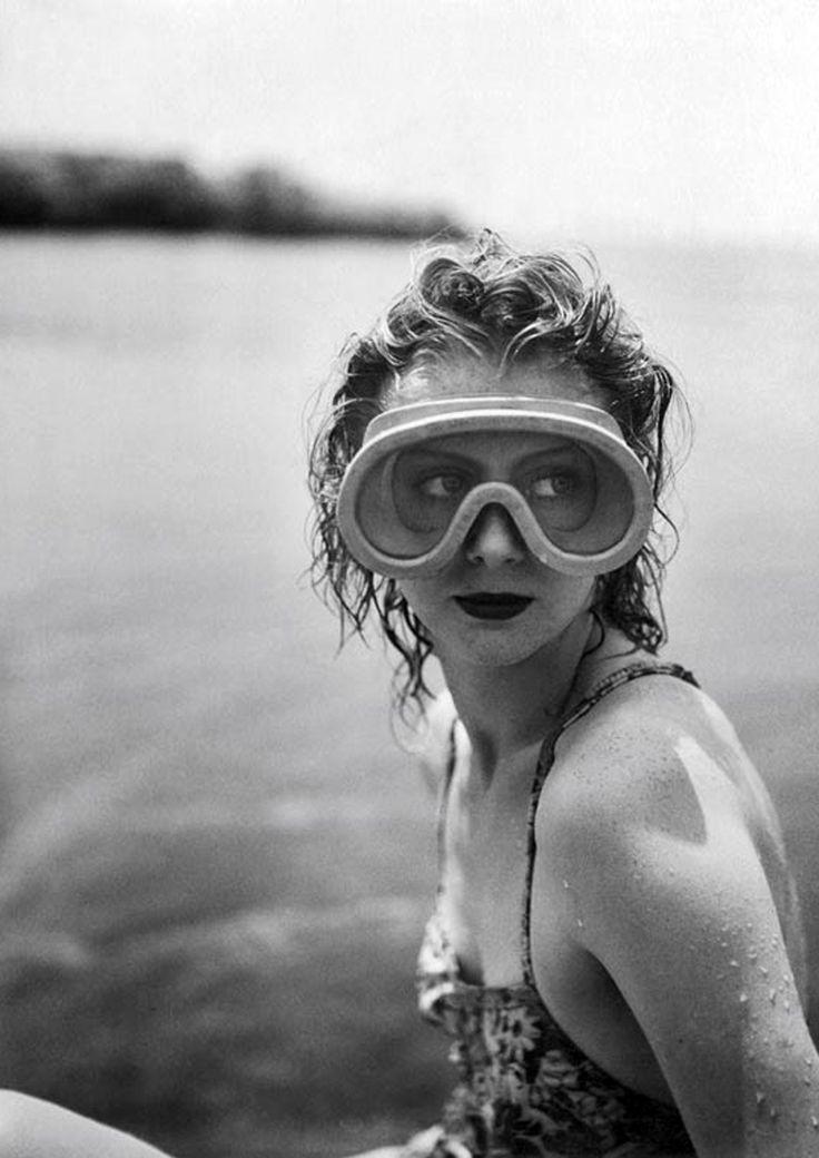 Mary Belewski by Jacques Henri Lartigue, 1941 http://www.nomad-chic.com/swim.html