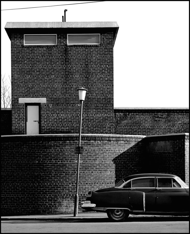 Buck Street, 1982, from the book NW1 © David Bailey