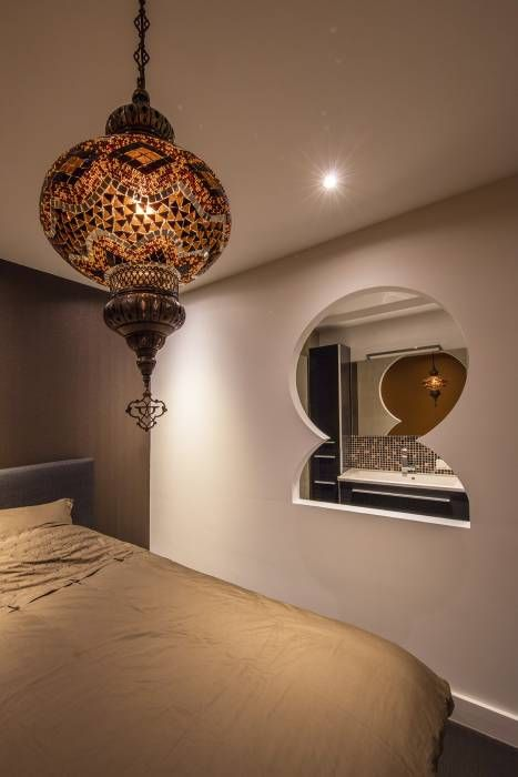 Oriental Guestroom: aziatische Slaapkamer door Medie Interieurarchitectuur