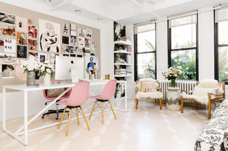 """At the Garment District offices of <a href=""""http://www.rebeccataylor.com/"""" target=""""_blank"""">Rebecca Taylor</a>, Homepolish's Tali Roth collaborated with the fashion designer and her Director of Brand Visual Erin Ryder to create a space that would be reflective of the brand as well as Rebecca's personality."""