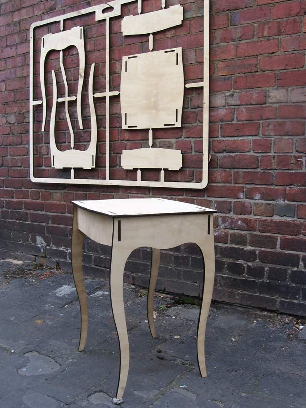#lasercut #fav [Mesita de pasillo. Flat pack table]