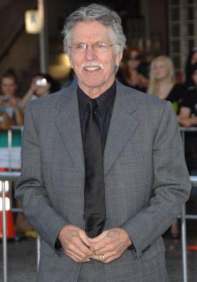 Tom Skerritt at event of Whiteout (2009)