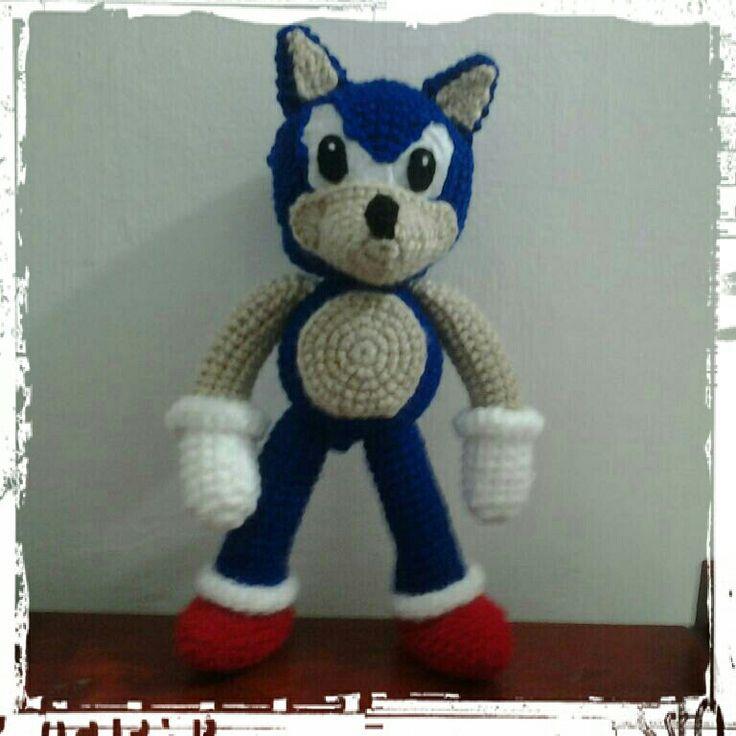 Sonic tejido aprox 30 cm de alto