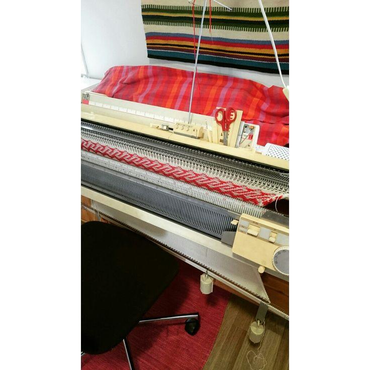 #Neuloin eilen #villapipo ja, vuori #luomu#puuvilla a. - I #knitted #woolen #beanie s yesterday, #organic#cotton inside. #Helmineule #Helmiknitwear #neuleita #knitwear #villa #wool #pipo #woolenbeanie #syksy #autumn #fall #talvi #winter #lämmin #warm #neulekone #knittingmachine #brotherneulekone #brotherknittingmachine #evaneulekone #evaknittingmachine