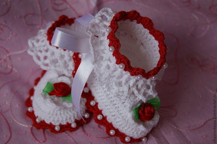 Купить Шапочка и пенетки для новорожденной девочки - белый, шапочка для девочки, шапочка крючком, шапочка вязаная