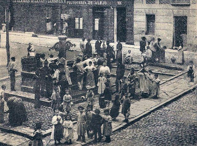 Madrid 1895. Plaza de San Gregorio (actual plaza de Chueca). Fotografía de Franzen | Flickr: Intercambio de fotos