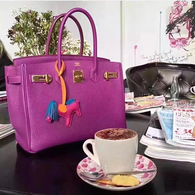 【aimee.319】さんのInstagramをピンしています。 《LINE ID:  aimee.319 DMよりラインの方が早いです。 2つ以上の購入は追加割引可能。 基本付き品:1。財布 : 専用箱、専用袋、Gカード、該当ブランドのショッパー 2。バッグ : 専用袋、Gカード、該当ブランドのショッパー #chanel#シャネル#パロディ#ルブタン#dior#ルイヴィトン#夏#雨#ラブ#グッチ#サンダル#靴#スニーカー#コピー品#バーキン#エルメス#サンローラン#セリーヌ#ラゲージ#クロムハーツ#バレンシアガ#東京#j12#大阪#カルティエ#ロレックス#時計#旅行#海#kr hermes》