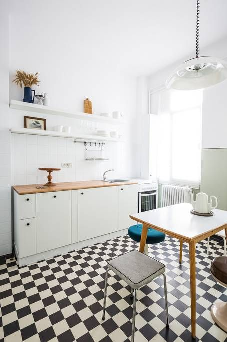 In the kitchen you'll find the washing machine, dishwasher and the stove (with oven).