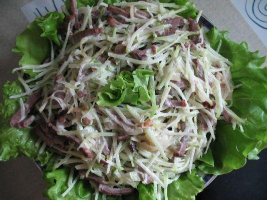 Салат из редьки с курицей и майонезом