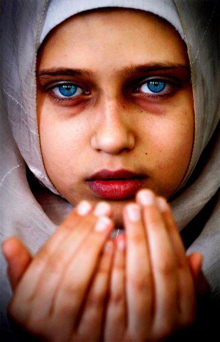(c) #EmanMohammed #woman  #photo #photographie #photographer #photography #photographe #OlivierOrtion #photojournalist #photojournalism
