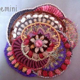 Amazing crochet work from Olgemini http://olgemini.blogspot.com