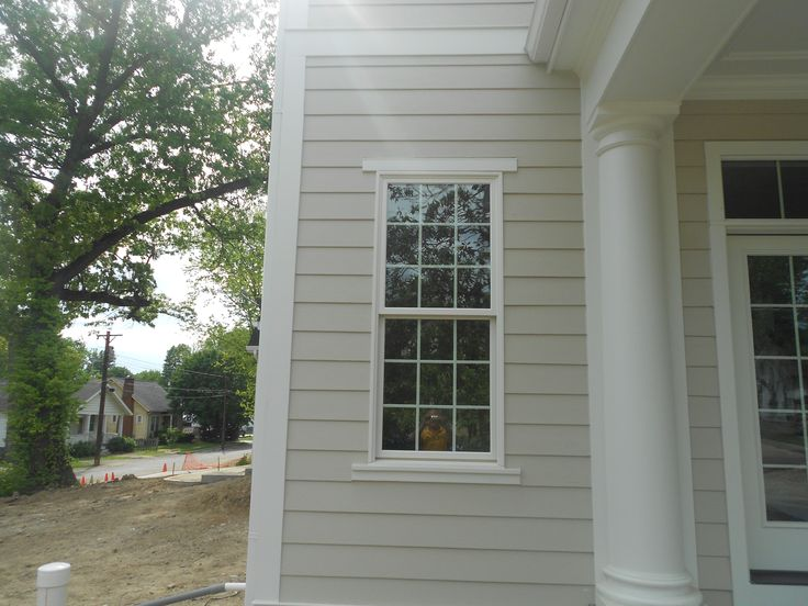 Close up of the hardie corner trim arctic white and the for Cobblestone shutters