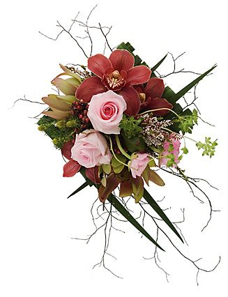 Structure and Chaos, a few twigs and trailing tendrils totally change the feel of this bouquet.