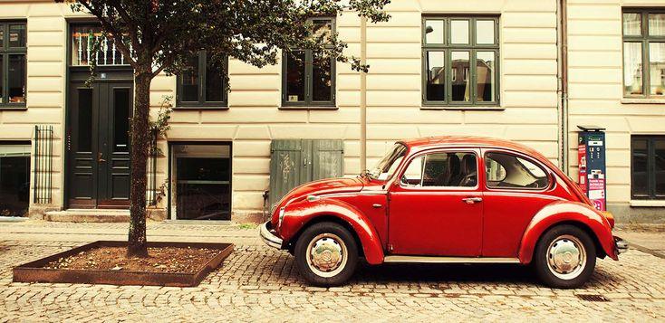 Bilforsikring er kedeligt men vigtigt! Vi har lavet en guide til billig bilforsikring, så du ikke skal bruge mere tid end nødvendigt på din bilforsikring