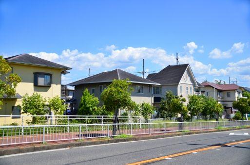 住宅街 写真 フリー の画像検索結果 家 リフォーム 外壁塗装 Diy 屋根