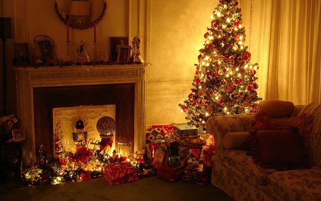 gambar pohon natal Merry Christmas http://saelekko.com/kumpulan-gambar-pohon-natal-dan-gambar-ucapan-kartu-natal/