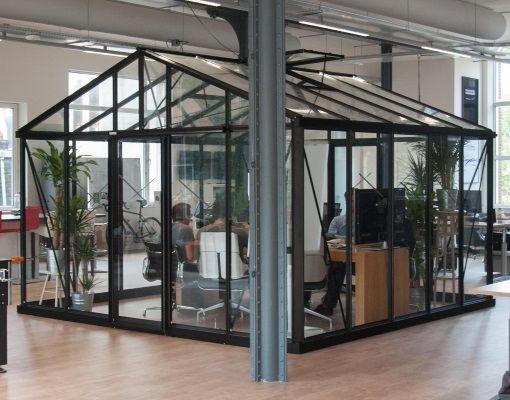 Glazen kantoorruimte met een diepte van 500 cm.   Tuinkassensite.nl