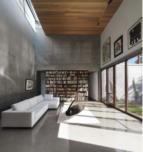 Casa de concreto aparente y madera