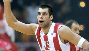 Olympiakos Piräus hat mit einem 62:61 (20:34) gegen den russischen Meister ZSKA Moskau zum ersten Mal die Euroleague gewonnen und setzt sich die europäische Krone des Basketballs auf. 97 holten sie das letzte Mal den Vorgänger-Titel, den Europapokal der Landesmeister! Wir gratulieren!