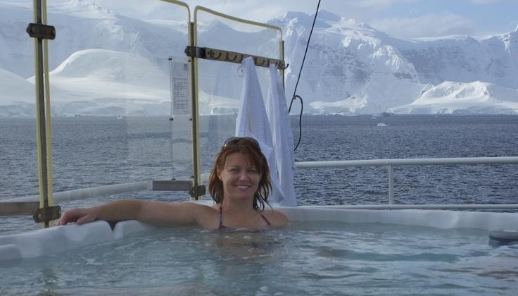 Hot tub in Antarctica = the.cruiseylife.com
