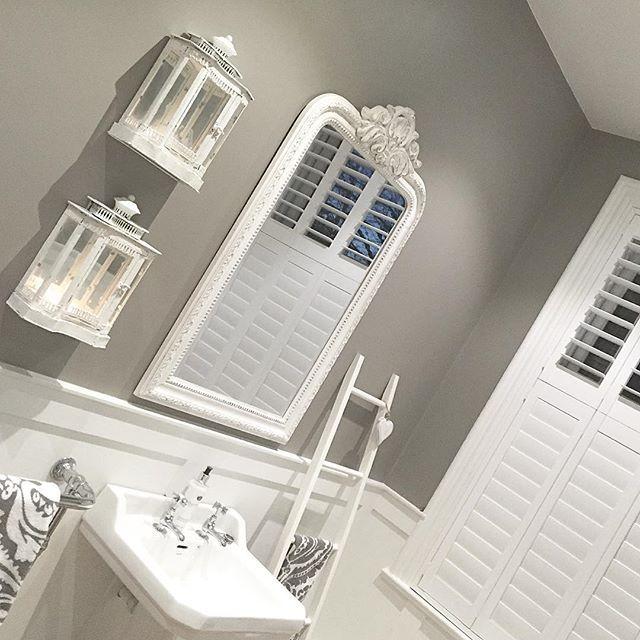 Grey and white, I wonder if I will ever get bored......don't think so! #farrowandball #charlestongrey #white #danish #lanterns #bathroom #cornerofmyhome #home #love xxx @maison_by_emma_jane