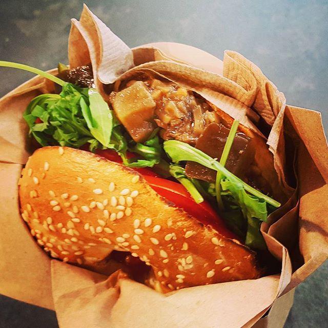 Heading back to Tokyo....❤ Lunch at the airport was surprisingly good😊 Bagel with sundried tomato paste, mushroom salsa, salad, tomato and more veggies...yummy!🙈💕 . #bagelfactory #veganbagel #bagel #veggiebagel #vegan #plantbased #whatveganseat #hclf #highcarb #ilovecarbs #carbup #veganfoodshare #veganfood #govegan #crueltyfree #nourish #gethealthy #cleaneating #healthyfood #foodie #veganfoodporn #vegansofig #realfood #ヴィーガン #ビーガン  Yummery - best recipes. Follow Us! #veganfoodporn