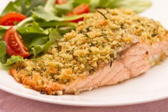 Filetti di salmone al forno con panure di erbe aromatiche