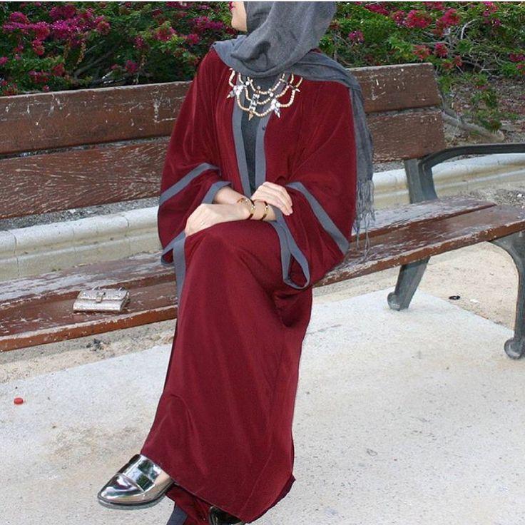 IG: Saris_hh wearing @alshamsapparel    Modern Abaya Fashion    IG: Beautiifulinblack