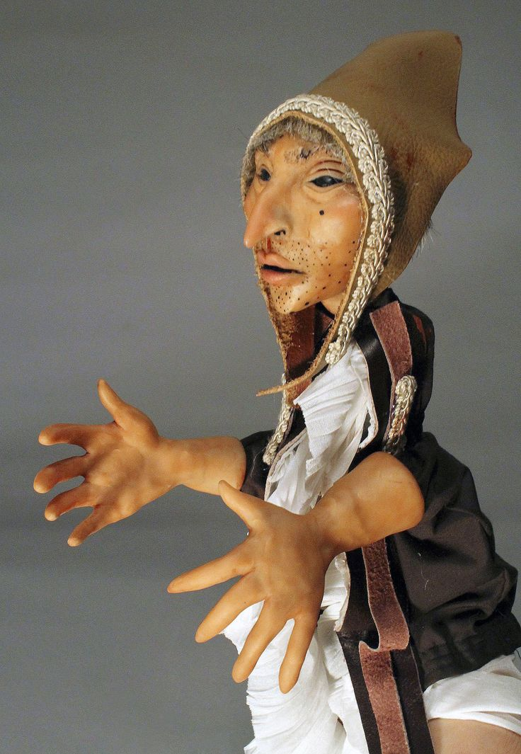 Hand Puppet by Canadian artist Lindsay Montgomery 2014