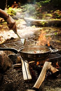 Tips to make quick and easy camping meals