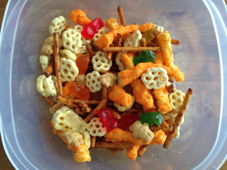 Winnie the Pooh Snack Mix - honey comb cereal, gummy bears, honey teddy graham's, cheetos (tigger tails) and pretzel sticks (eeyore's house) - Winnie the Pooh Movie Night Food - Disney Movie Night - Family Movie Night