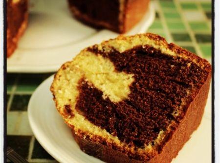 Bolo frapê de liquidificador (bolo bicolor de coco e chocolate) - Receita CyberCook