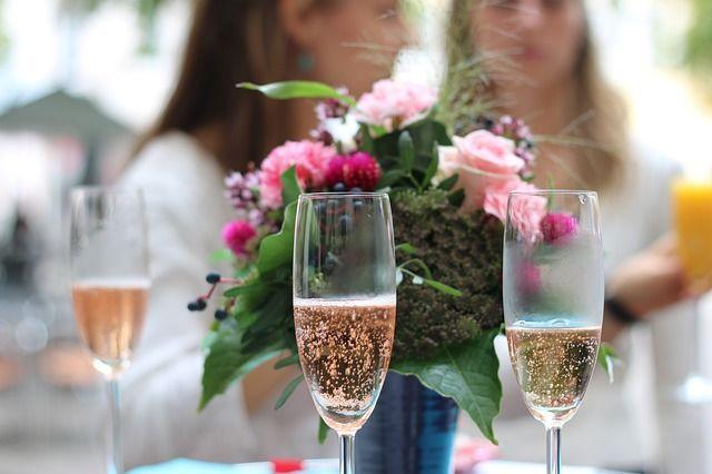 champagne-939876_640