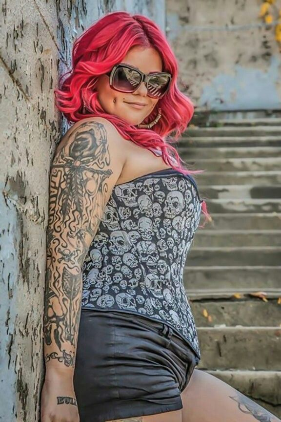 Tattooed girl dating site