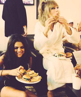 Taylor Swift ♥ Selena Gomez