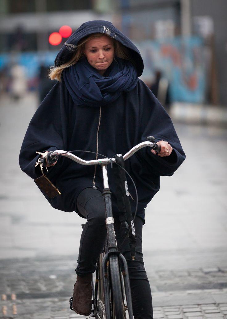 https://flic.kr/p/bWiPGf | Copenhagen Bikehaven by Mellbin - Bike Cycle Bicycle - 2012 - 7053 | Even heavy rain can be braved in style.