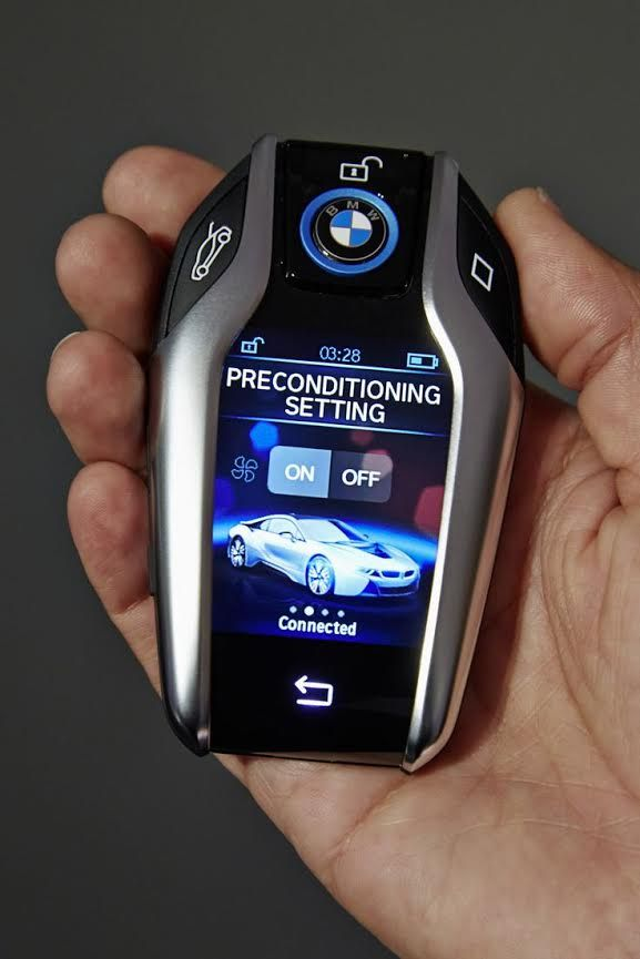 The days of sitting in a piping hot car are behind you. Take a trip to the cool future in the BMW i8.
