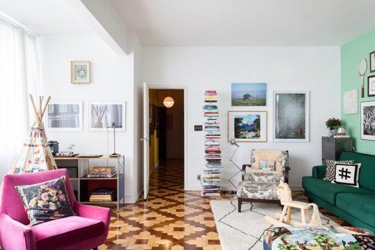 How To Add Just Enough Color without Going Too Crazy — Freunde von Freunden | Apartment Therapy