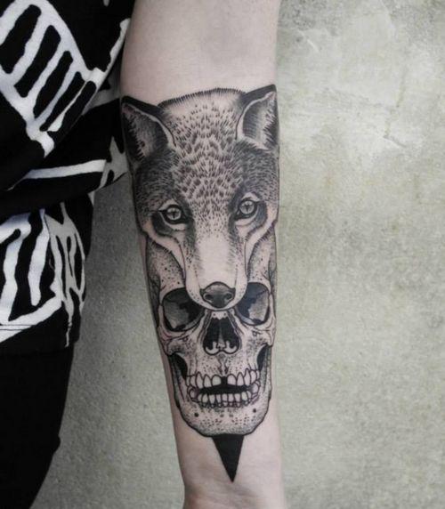 skull wolf dotwork tattoo tattoos pinterest. Black Bedroom Furniture Sets. Home Design Ideas