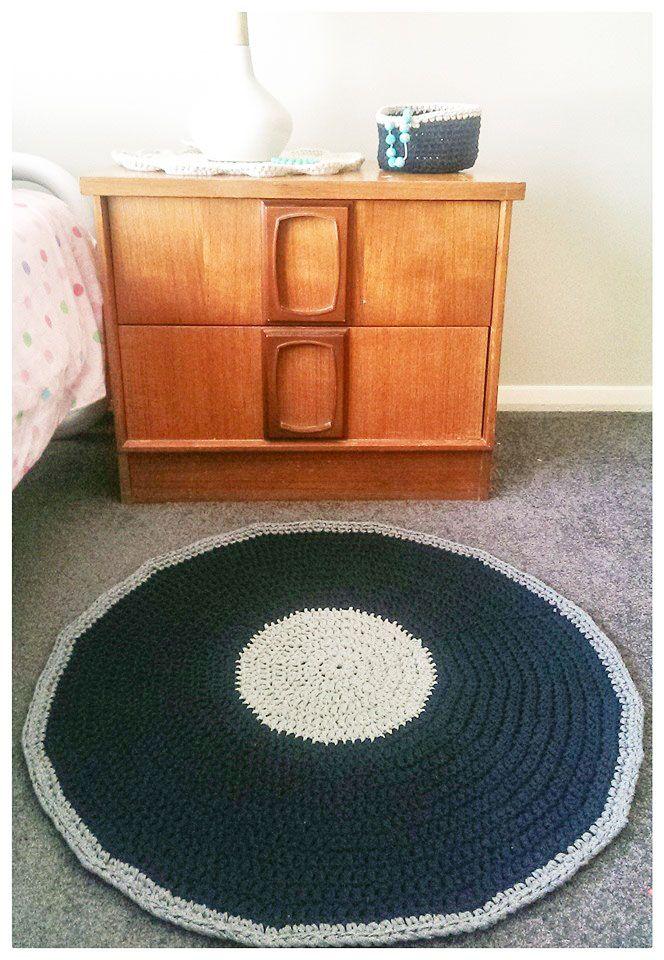 75cm crochet rug, Ribbon XL.