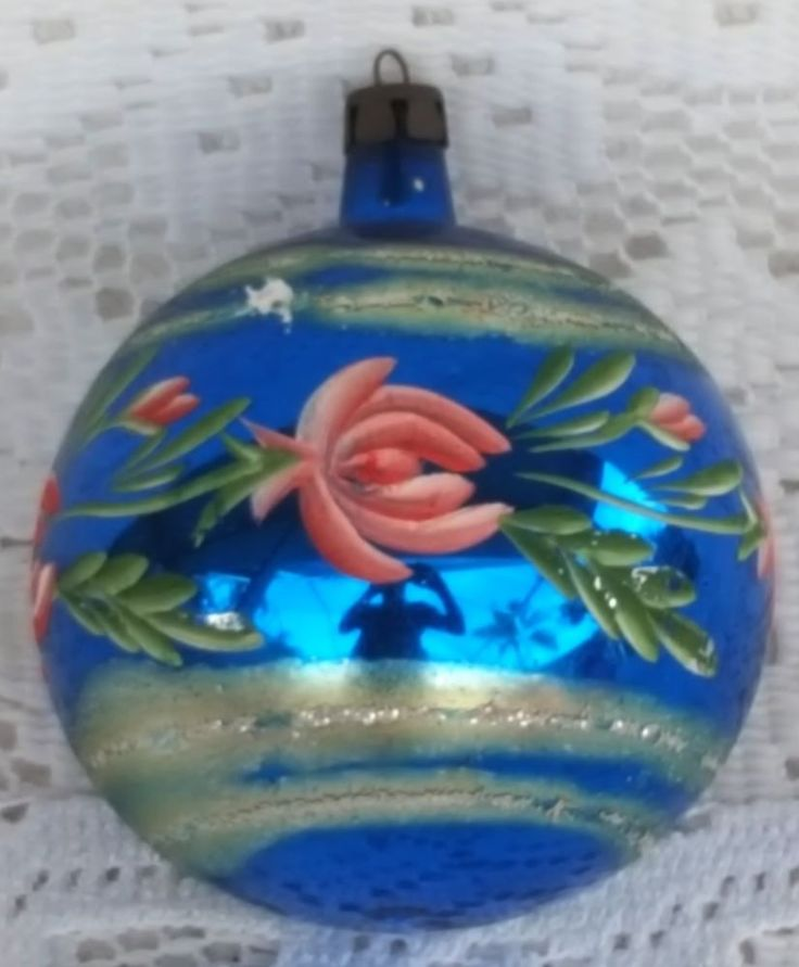 White Christmas Tree Blue Ornaments : Images about vintage on radios mixing bowls and christmas ornaments