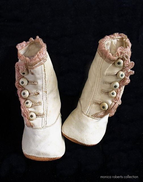 Pair of Girls' Ivory & Pink-Trimmed Edwardian Button-Up Shoes, 1910