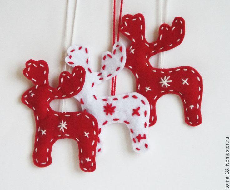 Купить Олень новогодний из фетра. - олень, олень новогодний, рождественский олень, олень красный