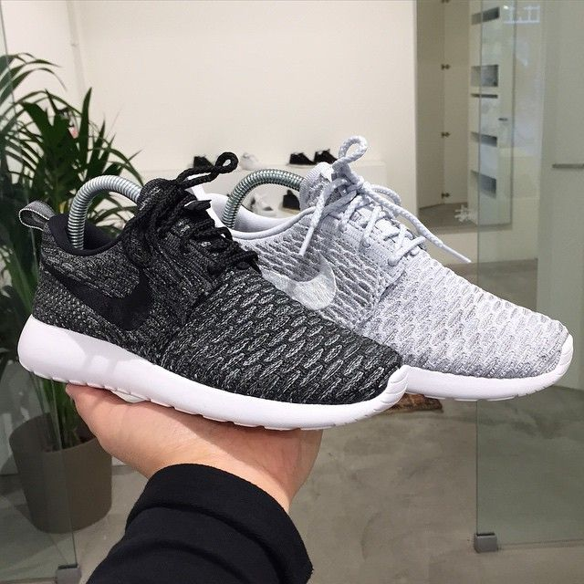 black nike roshe flyknit women's shoes