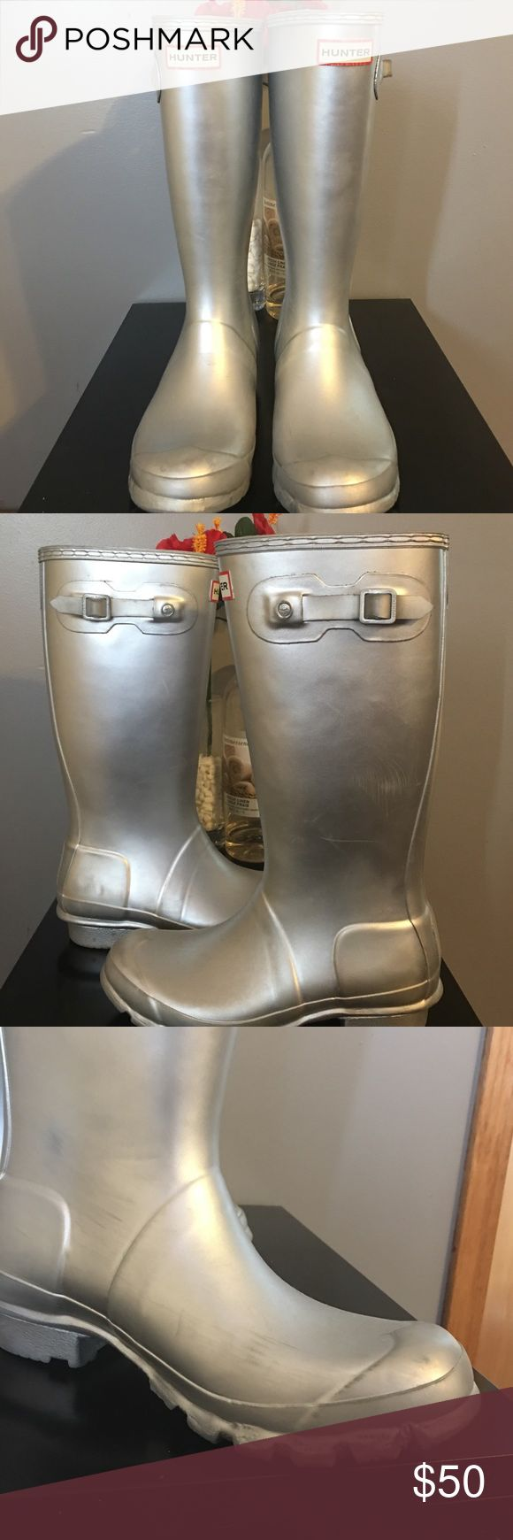 Silver hunter boots Silver Hunter boots in fair condition, the photos shows the scuff marks other than that there's no tears size 6 Hunter Boots Shoes Winter & Rain Boots
