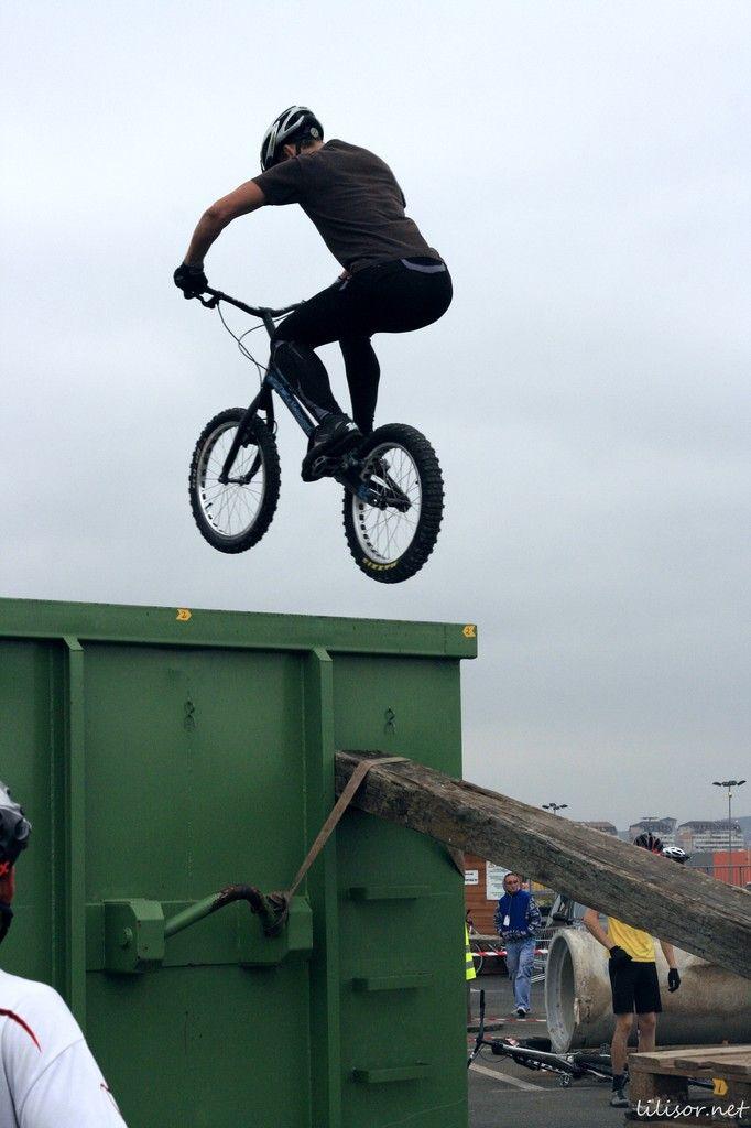 saritura cu bicicleta in container