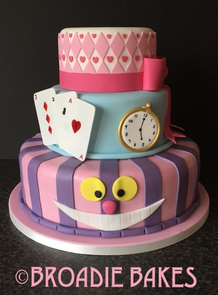Alice in Wonderland Birthday cake with Cheshire Cat