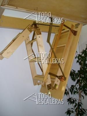 Escalera para altillo desde los 2m a 3mts cajas for Escaleras plegables de aluminio para altillos